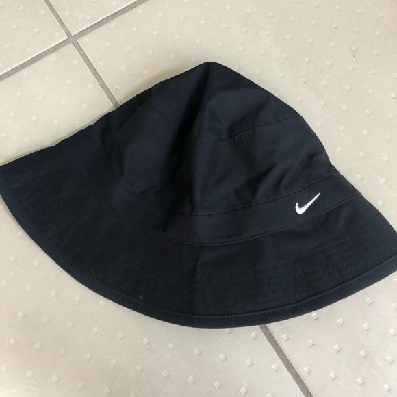 dfe0ca5ce Nike bucket hat. L/XL